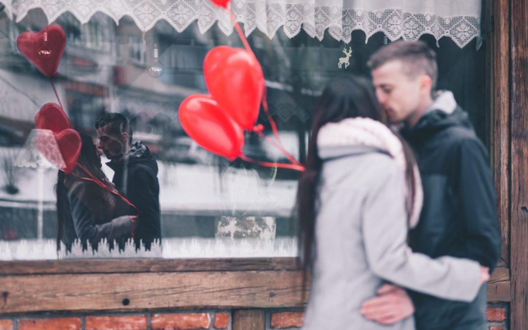 Св. Валентин зад щанда. Как празникът да ви донесе продажби?